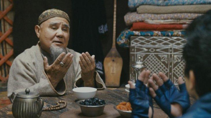 «Әмин» бе, «әумин» бе: Имам ел арасында дау тудырған жайдың нүктесін қойды
