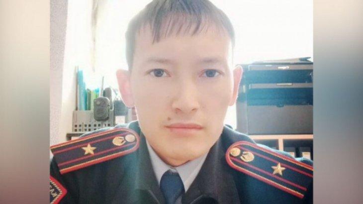 «Қысым жасап, қорлаған»: өзіне оқ атқан полицейдің анасы Тоқаевқа үндеу жасады