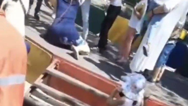 Қарағандыдағы саябақта ата-аналар тегін аттракцион үшін төбелес шығарған