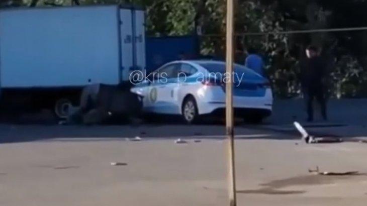 Алматыда полиция қызметкері жаяу жүргіншіні қағып өлтірді (ВИДЕО)