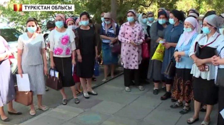 «3 млн 200 мың аударып отырдық»: Түркістанда алаяқ бойжеткен 400 адамды алдап соққан