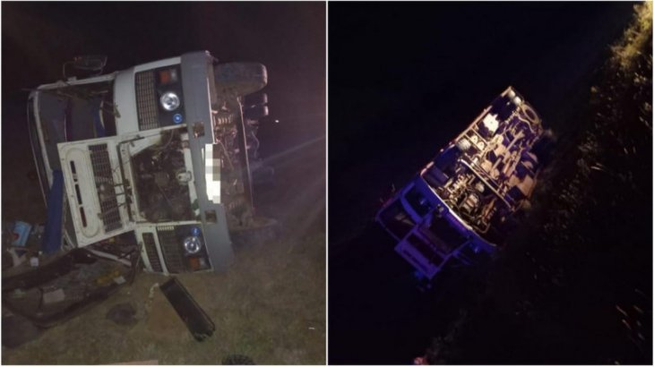 «Салонда 12 адам болған»: Ақтөбеде жолаушылар автобусы аударылды