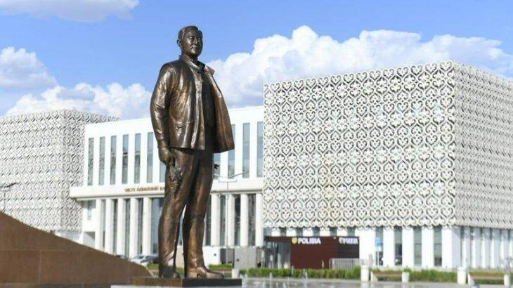 Түркістанда да Назарбаевқа жаңа бір ескерткіш орнатылды