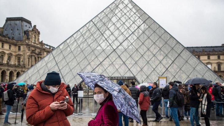«Жоғары қарқынмен таралуда»: Францияда пандемияның жаңа толқыны басталды