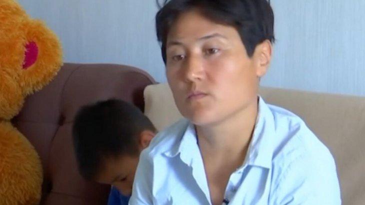 «22 жыл күң секілді пайдаланды»: Қарағандылық әйел құлдыққа қалай түскенін айтып берді