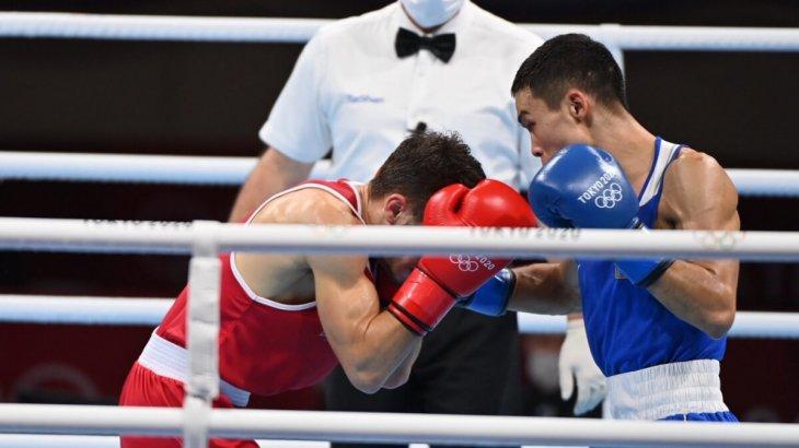 «Халқымнан кешірім сұраймын»: Олимпиадада қола алған боксшы көз жасына ерік берді