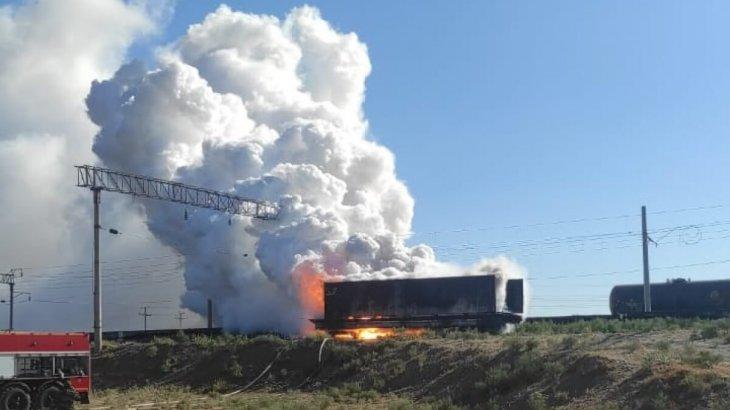 Арыс қаласында фосфор тиелген вагондар өртенді: Тұрғындар эвакуациялануда