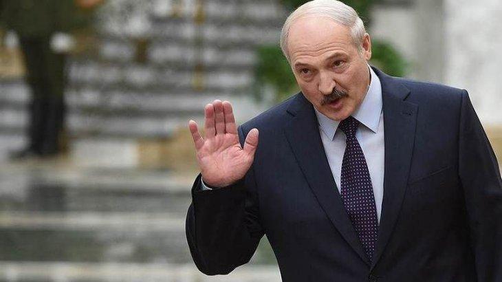 Лукашенко президенттіктен кететінін мәлімдеді