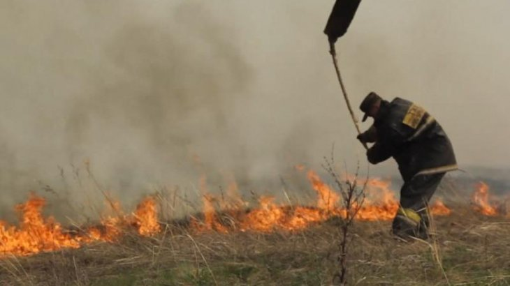 Шығыс Қазақстандағы өртті 200 адам сөндіре алмай жатыр