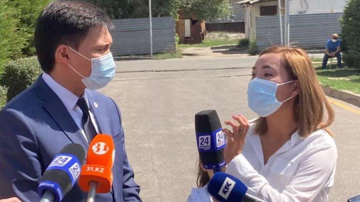 Әкім журналист қыздан кешірім сұрау үшін орынбасарының шешімін күтпек (видео)