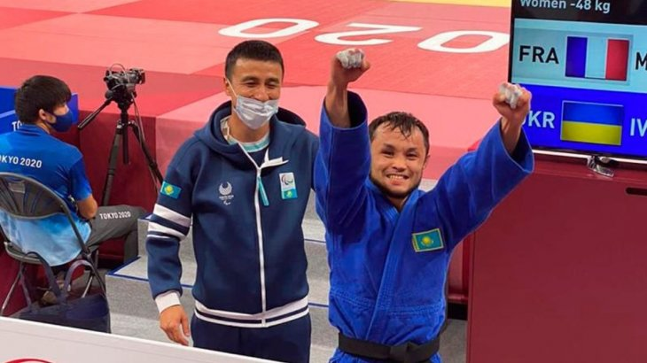 Әнуар Сариев Токио Паралимпиадаcында күміс медаль жеңіп алды