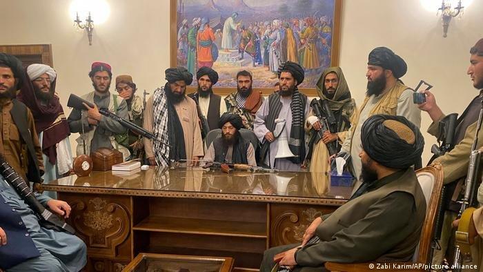 Франция «Талибан» үкіметін мойындаудан бас тартты