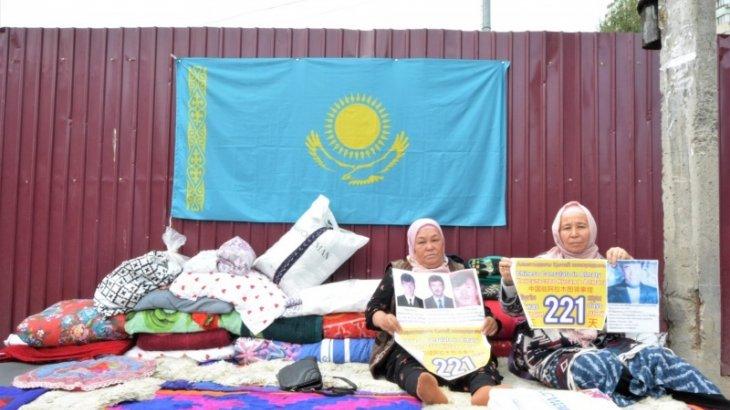 Астанада Шыңжаңдағы туыстарына араша сұрап жүрген 8 адам ұсталды