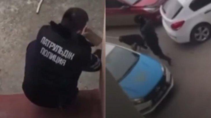Қарағандыда полицей итті таяқпен ұрып-соққан